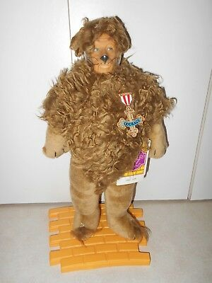 """WIZARD OF OZ HAMILTON GIFTS PRESENTS NWT 1987 """"LION"""" VINYL DOLL w STAND/TAG"""