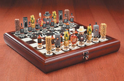 Jack Daniel's Old No 7 Whiskey Collectible Chess Set #8581