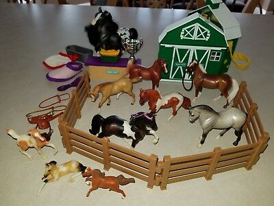 Breyer Reeves Stablemates Horse and Accessory Stable Barn Lot Pony Gals Jasmine