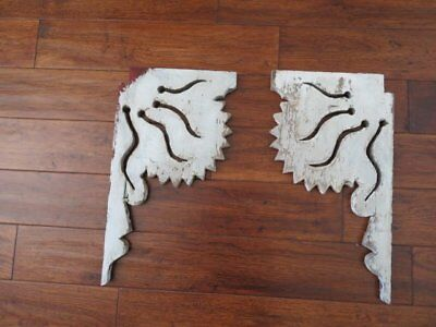 THE BEST PAIR Old Architectural CORBELS BRACKETS GINGERBREAD Chippy WHITE