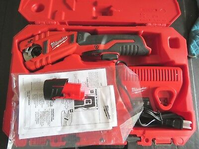 Milwaukee 12v Copper Tubing Cutter 2471-20 + Charger, Battery, Carry Case