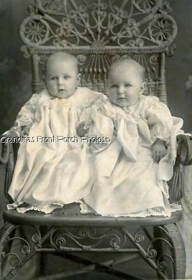 ANTIQUE CABINET PHOTO BABIES TWINS? MATCHING DRESSES RATTAN CHAIR of CHICAGO