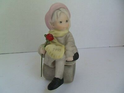 Kim Anderson Figurines By Enesco, Girl with Rose 1998 scarf, Great condition