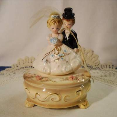 "Josef Originals Bride & Groom Wedding ""Bridal March"" Musical Figurine w/Tag"