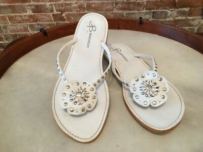 B Makowsky Kyra White Leather Flower Flip Flop Thong Sandals 11 New