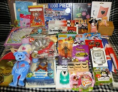 JOB LOT OF 30 VARIOUS TOYS - suitable for market trader / car booter - LOT C