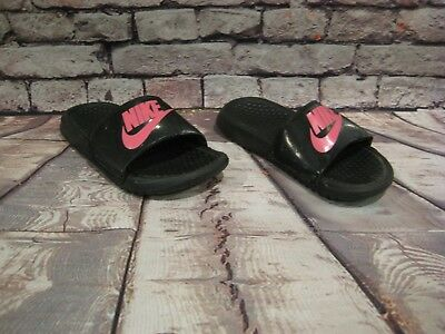 e681bd40fa0c9 Nike Girls Slides Shoes BLACK Pink Logo Benassi JDI Sandals Size 1 Youth 1Y