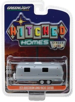 1:64 GreenLight *HITCHED HOMES 4* SILVER 1971 AIRSTREAM LAND YACHT SAFARI Camper