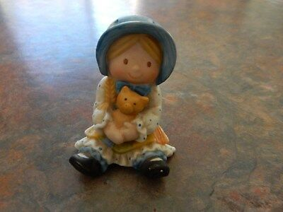 Vintage Holly Hobbie Porcelain Girl  With Her Cat