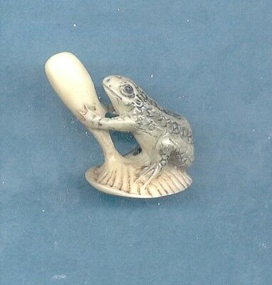 Frog On Mushroom  Japanese Colored Netsuke  309