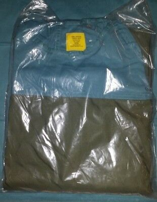 Two Surgical Green Operating Gown Size Medium 6532-00-083-6534 Medical Surgeon