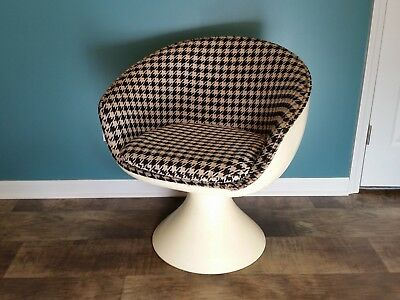Vintage Mid Century Modern Space Age Pod Or Egg Chair 25000
