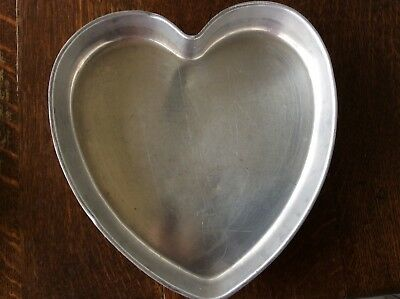 Vintage Heart Shaped  MIRRO ALUMINUM Cake Pan-Made in USA