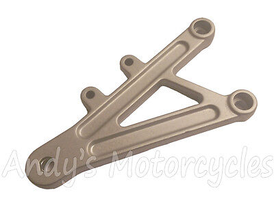 Genuine Front Right Hand Footrest Hanger Bracket Derbi GPR50 GPR125 GPR 50 125