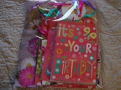 New in unopened package - 8 piece Spring/Summer all occasion gift cards/bags