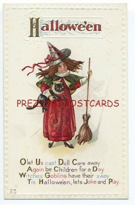 HALLOWEEN - Little WITCH HOLDING BROOM & Black Cat ca1908 - NASH H14