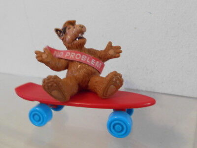 "Alf Bully W.Germany Figur 1988 ca. 7,0 cm: auf Skateboard sitzend ""No problem"""