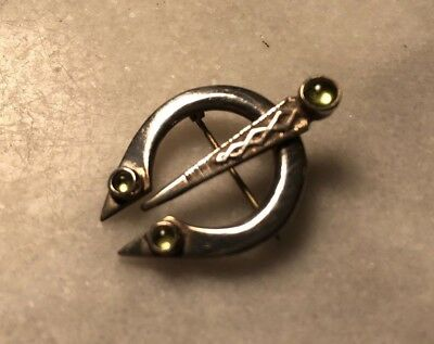 VTG Sterling Silver & Peridot  Irish Celtic Kilt Pin TARA Brooch