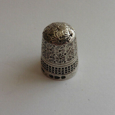 Solid Silver Thimble. Charles Horner, Chester, 1895. 6