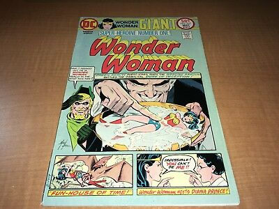 Wonder Woman 1975 DC Giant Comic Book #217 0fg1