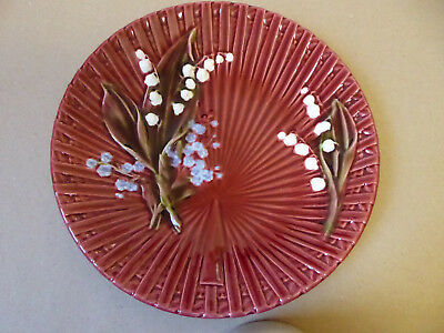 German Majolica Lily of the Valley Plate c.1920. Burgundy. Mint Cond.