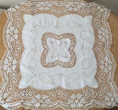 Very Pretty Vintage Small Lace Edged Tablecloth