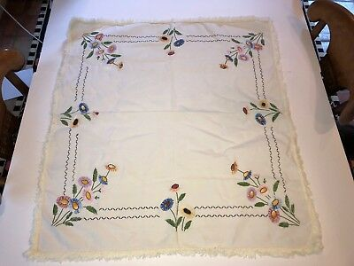 VINTAGE HAND EMBROIDERED FLORAL SQUARE TABLE CLOTH 30 x 33