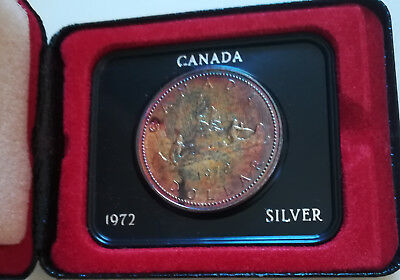 1972 Canada Cased Silver Dollar.Coin.  RAINBOW TONING. Mint SET (D254)