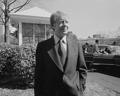 President Jimmy Carter outside the White House March 1977 New 8x10 Photo