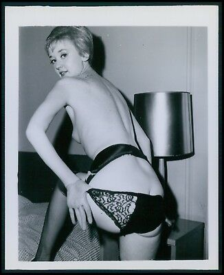 Pinup pin up near nude girl risque cheesecake woman vintage old 1950s photo gm01