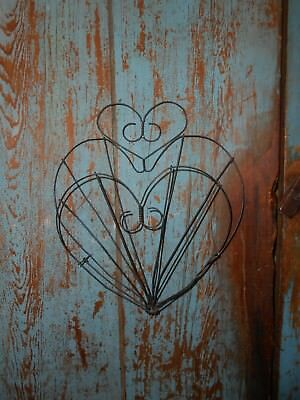Primitive Twisted Wire Heart hanging bowl holder farm house find