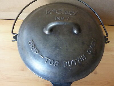 McClary No.7 Cast iron dutch oven & drip top cover made in Canada nice condition