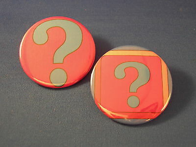 ? QUESTION MARK Lot of 2 BUTTONS pin punk badge pinback EXISTENTIAL clueless NEW