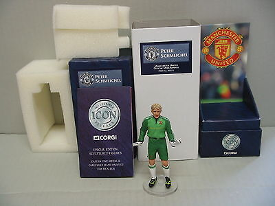 Corgi F03011 PETER  SCHMEICHEL - Manchester United Icons