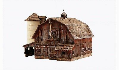 Woodland Scenics Built & Ready Old Weathered Barn N Scale Building