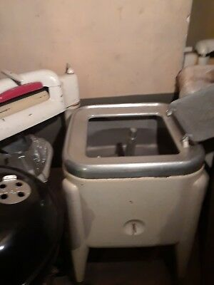 antique maytag ringer washing machines