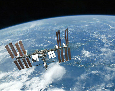 Iss And Endeavour From Soyuz Tma-20 11x14 Silver Halide Photo Print Historical Memorabilia