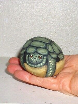 Green Turtle Wildlife ! Hand Painted Rock Art Work - Artist Signed Collectible !