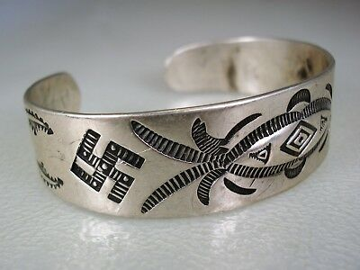 EARLY 1920s FRED HARVEY ERA NAVAJO STAMPED SILVER BRACELET w/ Whirling Logs