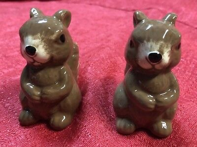 Squirrels Fall Holiday Salt & Pepper Shaker 2pc Set THANKSGIVING Autumn
