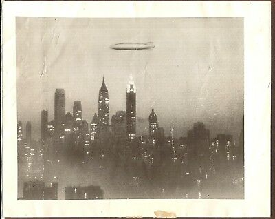 1936 Press Photo Airship/Dirigible Hindenberg  Flies over the City of New York