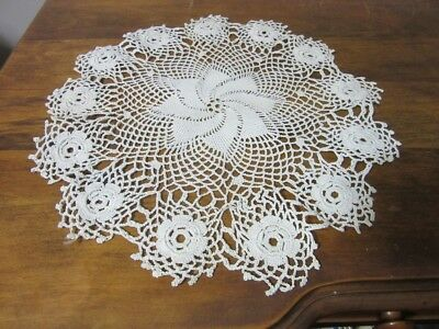 """Vintage 12"""" table linen doily. Hand made. Crocheted lace"""