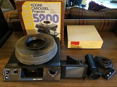 Kodak Carousel 5200 Slide Projector/Side Viewer w/ Lens, Remote & 140 Slide Tray