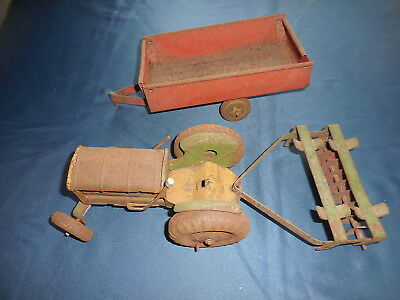 METTOY 1950's  OLD TIN TOY VINTAGE TRACTOR + TRAILER + PLOUGH