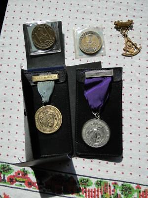 2 Masonic Medals ~ 2 Tokens/Coins ~ Grand Lodge Of New Hampshire Leather Case