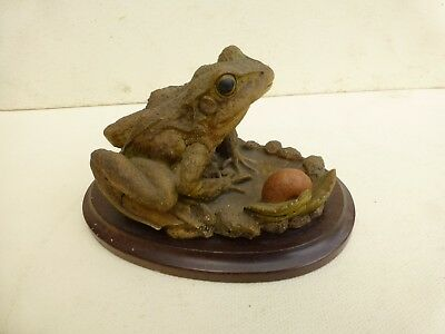 Country Artists Frog & Snail.