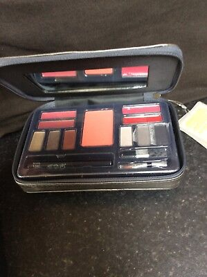 Body collection make up set in case