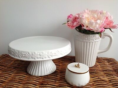 Gisela Graham Large White Ceramic Ribbed Flower County Rustic Cake Stand New!