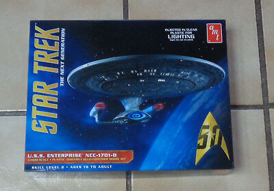 Star Trek USS Enterprise NCC-1701-D 1:1400 AMT Clear Bausatz