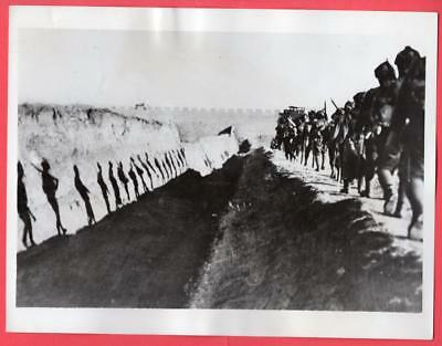 1938 Japanese Troops on the March in Northern China 7x9 Original News Photo